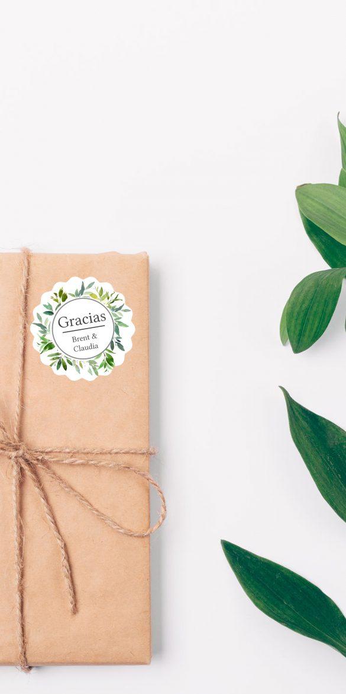 Greenery-Etiketten-rund-für-Hochzeit-personalisiert-mit-Namen-von-watsonlabel