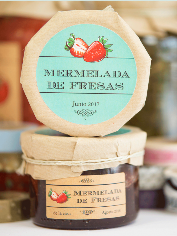 Erdbeer Etiketten selbst gestalten auch im Kraftpapier Look bei watsonLABEL